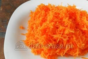 Оладьи из кабачков с морковью: Морковь натереть на терке