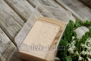 Клубничное мороженое: Убрать мороженое в холодильник