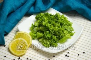 Листовой салат с чесноком