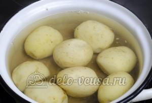 Молодая картошка с укропом: Картошку кладем в кипяток