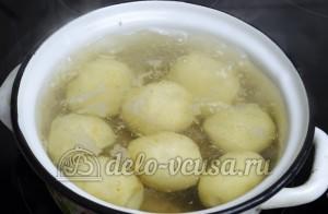 Молодая картошка с укропом: Воду доводим до кипения
