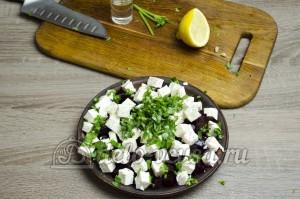 Салат свекла с сыром фета: Формируем салат