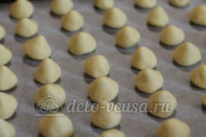 Курабье: Печенье кладем на противень