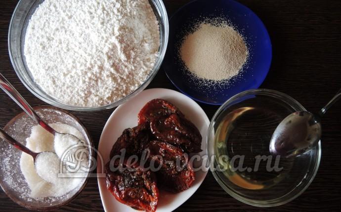 Фокачча с вялеными помидорами: Ингредиенты