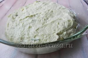 Пирог с яйцом и укропом: Добавляем оставшееся тесто