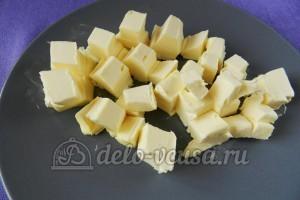Банановый пирог: Масло порубить