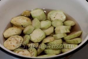 Тушеные овощи с мясом: Баклажаны посыпать солью