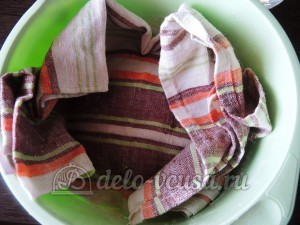Фокачча с вялеными помидорами: Убрать тесто в теплое место