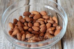 Курабье: Обжарить орехи