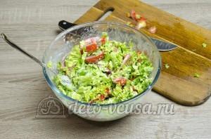 Салат из помидоров со сметаной: Все хорошо перемешать