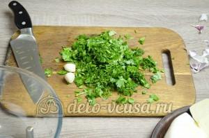 Лаваш с сыром и зеленью: Зелень измельчить