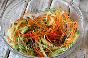 Салат фунчоза: Морковь замариновать