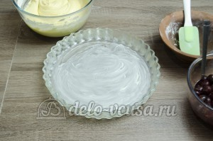 Пирог с вишней: Форму смазать маслом