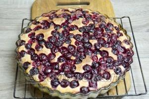 Пирог с вишней: Выпекаем до готовности