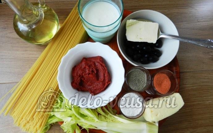 Макароны с томатным соусом и маслинами: Ингредиенты