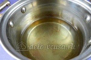 Цветная капуста в остром кляре: Разогреваем масло