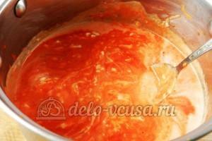 Макароны с томатным соусом и маслинами: Провариваем соус