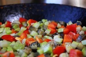 Удон с овощами: Добавить болгарский перец