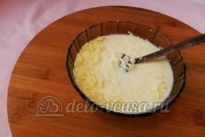 Курица с фасолью: Смешать сливки и сыр