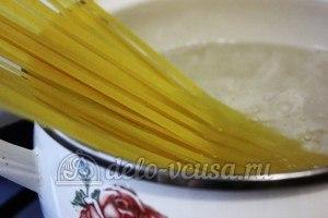 Удон с овощами: Варим лапшу