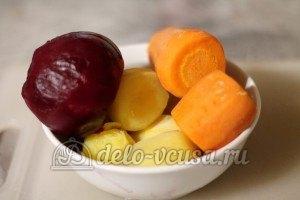Винегрет с фасолью: Отварить овощи