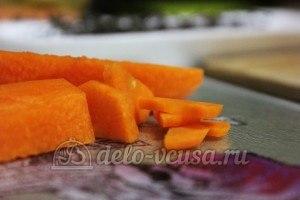 Суп из чечевицы в мультиварке: Порезать морковь