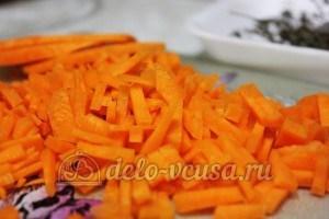 Суп из чечевицы в мультиварке: Порезать морковь соломкой