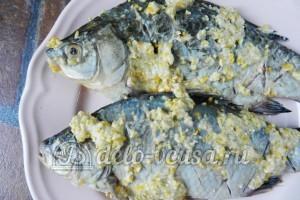 Рыба по-восточному: Обмазать рыбу в кляре