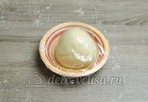 Сибирские пельмени: Тесто завернуть в пищевую пленку