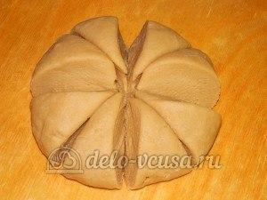 Торт медовик с заварным кремом: Разделить тесто на 8 частей