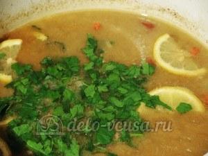 Суп с почками: Добавляем зелень и лимон