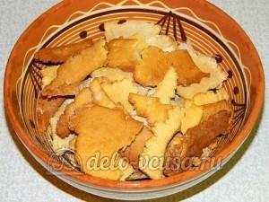 Торт медовик с заварным кремом: Обрезки коржей остудить