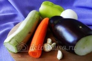 Курица под овощами: Подготовить овощи