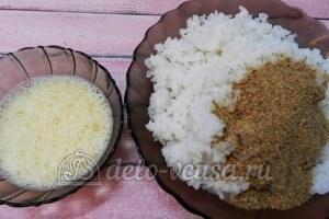 Рисовые крокеты: Взбить яйцо