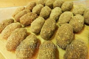 Пирожное картошка с орехами: Сформировать пирожное