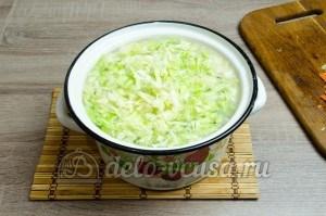 Щи из свежей капусты: Добавляем капусту в суп