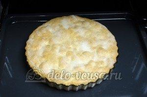 Пирог с яблоками закрытый: Выпекаем до готовности