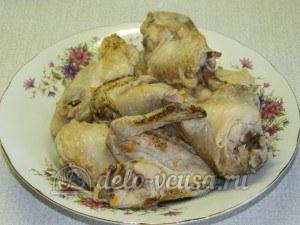 Куриный суп с лимоном: Достать курицу и остудить