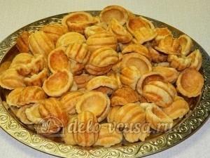 Печенье Орешки: Остудила орешки