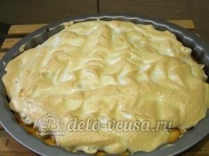 Яблочный пирог с безе: Выпекаем до готовности