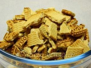 Сладкая колбаска без масла: Ломаем печенье
