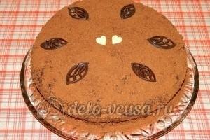 Бисквитный торт с черносливом: Украшаем торт