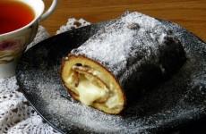 Рулет с бананом и сгущенкой