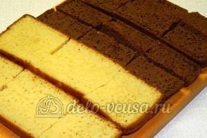 Бисквитные пирожные: Еще раз разрезать коржи