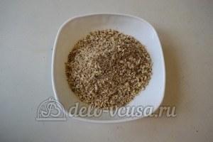 Ореховое печенье с шоколадом: Измельчить орехи