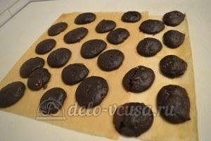 Шоколадное печенье с орехами: Дать печенью остыть