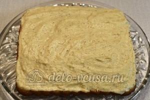 Ореховый торт: Смазать кремом