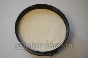 Бисквитный торт с кремом Шарлотт: Выпекать в форме 30 минут