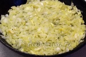 Красный рис с мясом: Обжарила лук