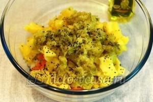 Салат с печенью трески и овощами: Соединить компоненты, посолить